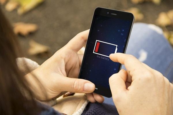 Hanya Perlu Dicas Seminggu Sekali, Ini Baterai Ponsel di Masa Depan