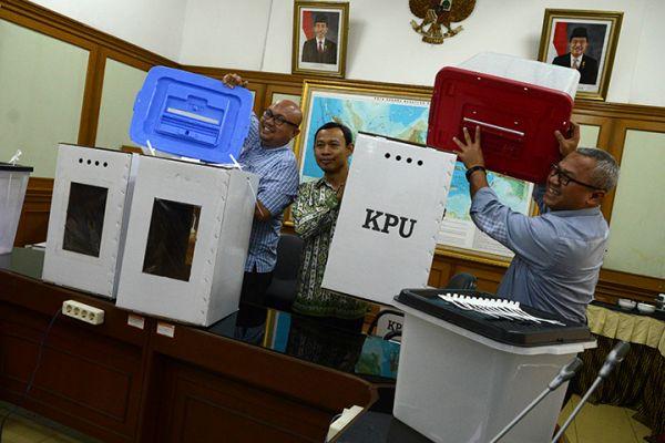 Kotak Suara Berbahan Kardus Disetujui DPR dan Pemerintah