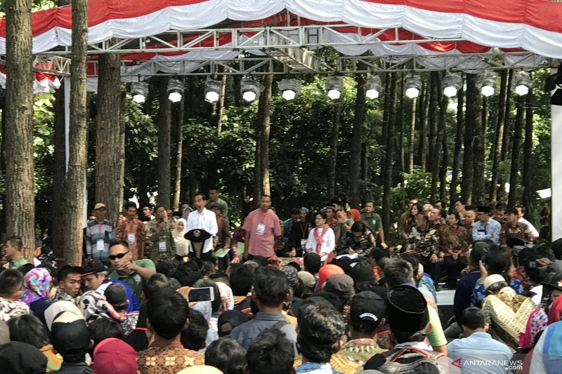 Sertifikat Perhutanan Sosial, Presiden Jokowi