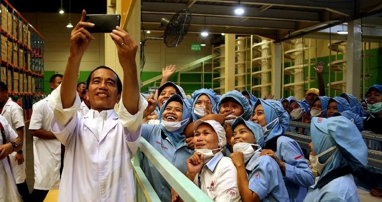 presiden jokowi dukung produk lokal kuasai pasar global