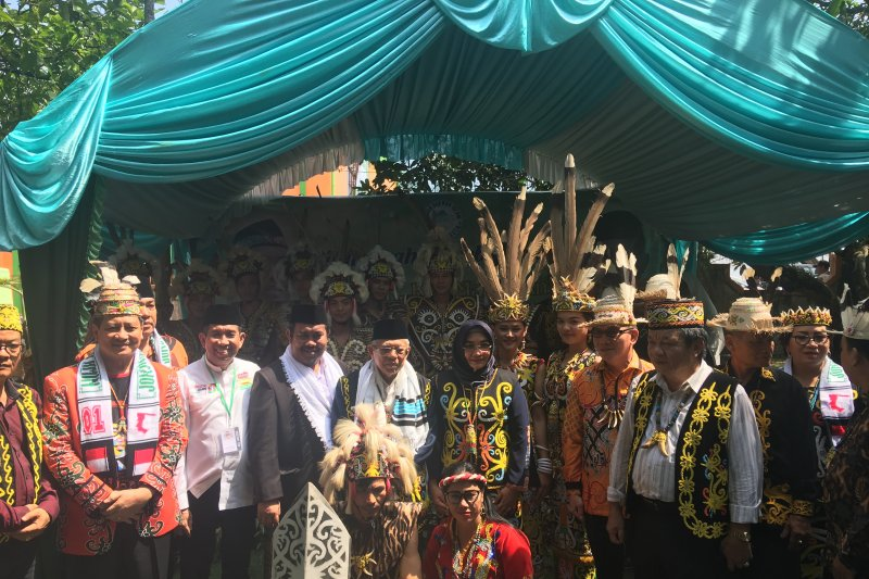 Jokowi-Maruf, Kiai Maruf, Masyarakat Dayak