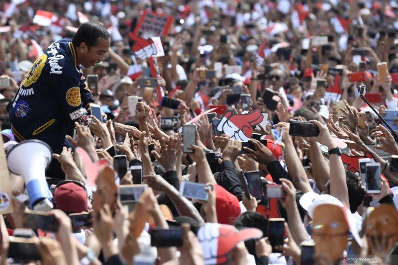 calon presiden 01 lawan fitnah selama 4,5 tahun