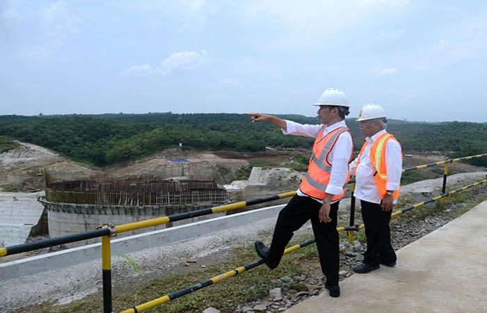 Proyek Infrastruktur