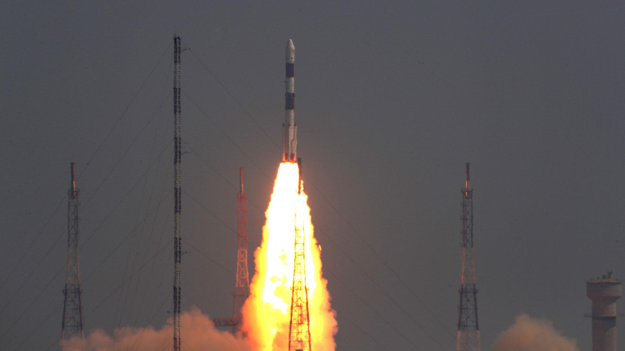 india luncurkan satelit mata-mata