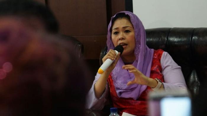 Yenny, wahid, people, power, rakyat, amien, rais