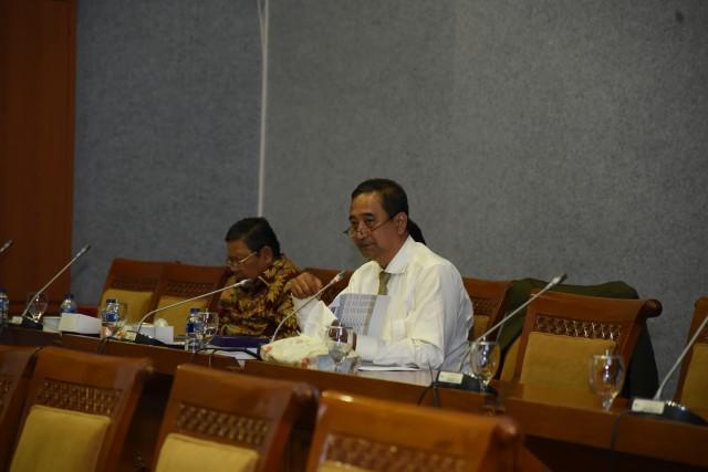 Komisi X Ingatkan Indikator Datangkan Rektor Asing