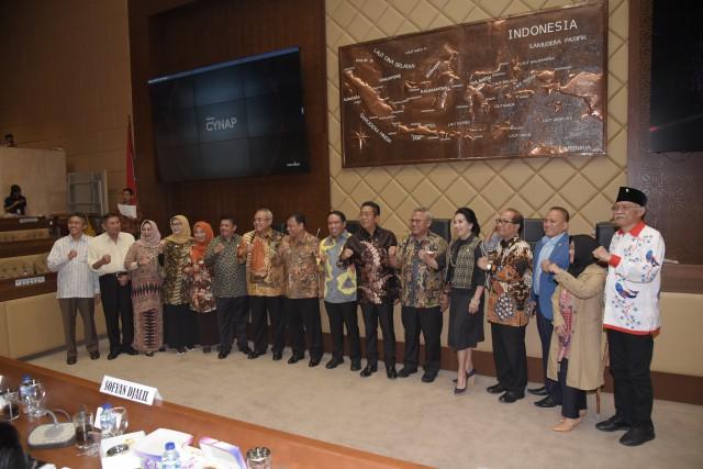 Komisi II Setujui Anggaran Sejumlah Mitra Kerja