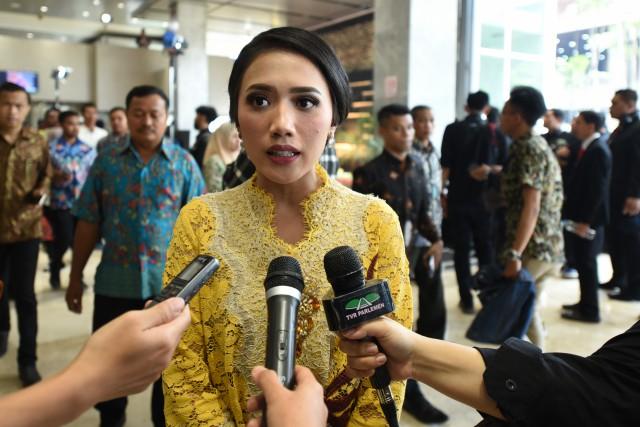 Puteri Komarudin Sesalkan Aksi Teror pada Menkopolhukam