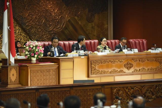 DPR Setujui Surat Permintaan Pemberhentian Kapolri