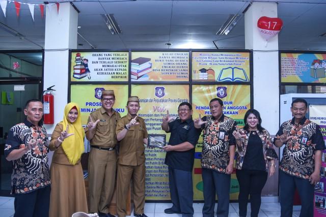 Penerbitan DPR Pantau Distribusi Parlementaria di Perpustakaan Gorontalo