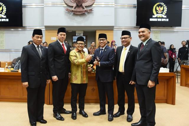 Tugas Berat Menanti Pimpinan Komisi VIII