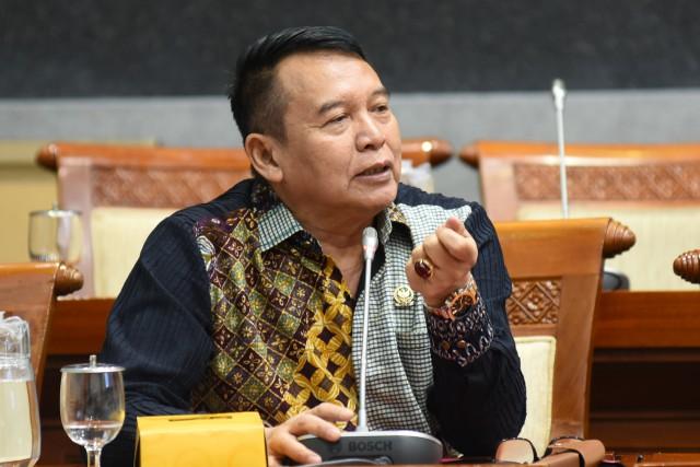 TB Hasanuddin Dorong Aturan Teknis PSBB Segera Dibuat