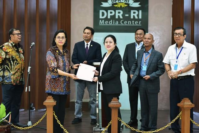 DPR Resmi Terima Perppu Keuangan Negara untuk Penanganan Covid-19