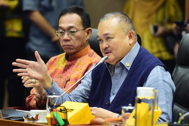 Silang Pendapat Anggota DPR Terkait Kewenangan Daerah Kelola Bidang ESDM