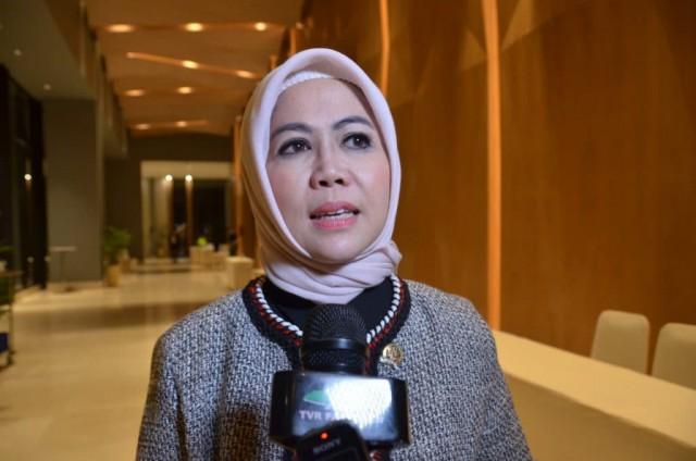 Intan Fauzi Salurkan Bansos untuk Warga Terdampak Covid-19