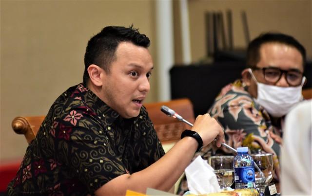 Anggota DPR Pertanyakan Keluarnya Shell dari Proyek Blok Masela