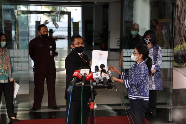 DPR Resmi Serahkan Draf Final UU Ciptaker ke Setneg