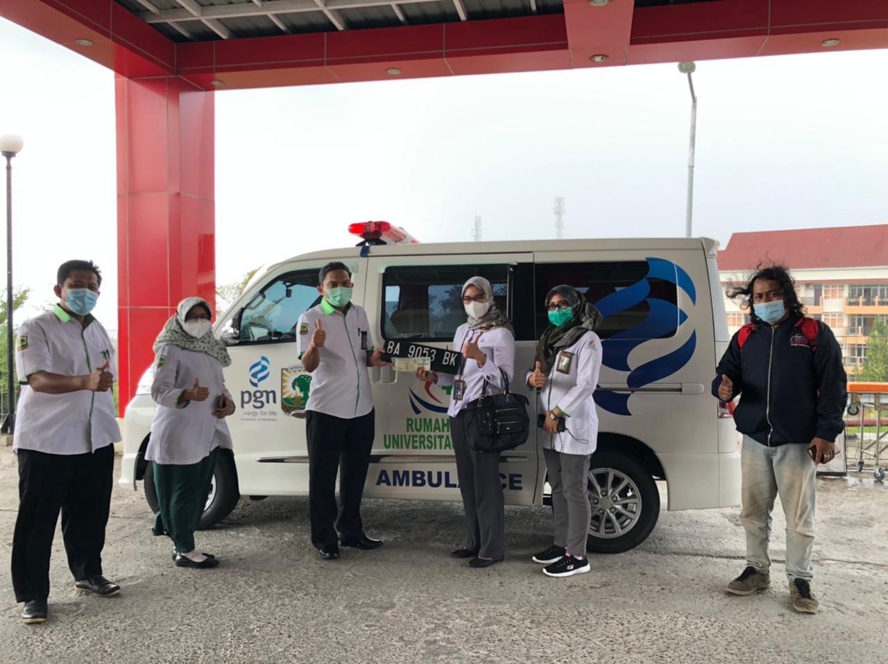 PGN Serahkan Bantuan Ambulance Untuk RS Universitas Andalas