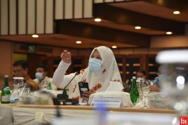 Nevi Zuairina Soroti Pengangkatan Komisaris dan Direksi PT Aviasi Pariwisata Indonesia